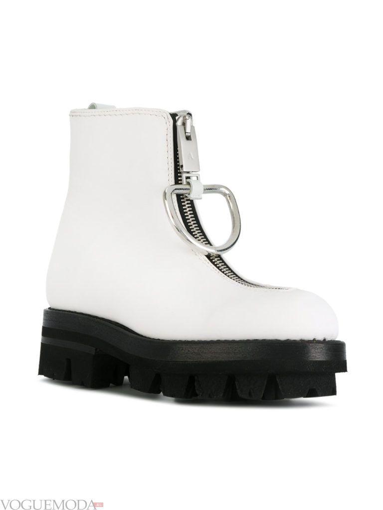ботинки на толстой подошве белые