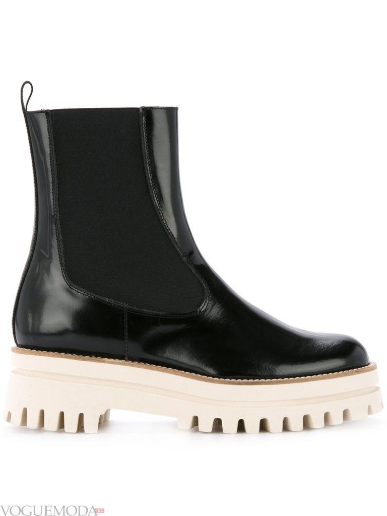 ботинки на толстой подошве черные