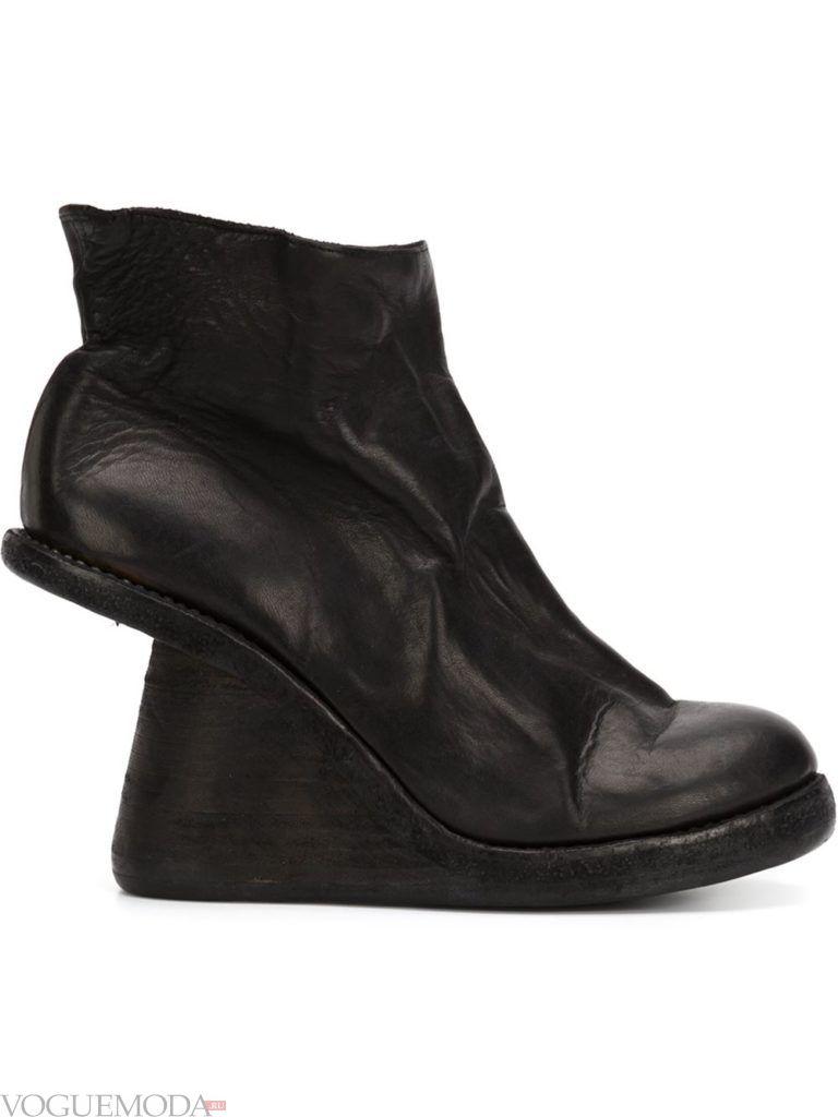 ботинки на модной танкетке