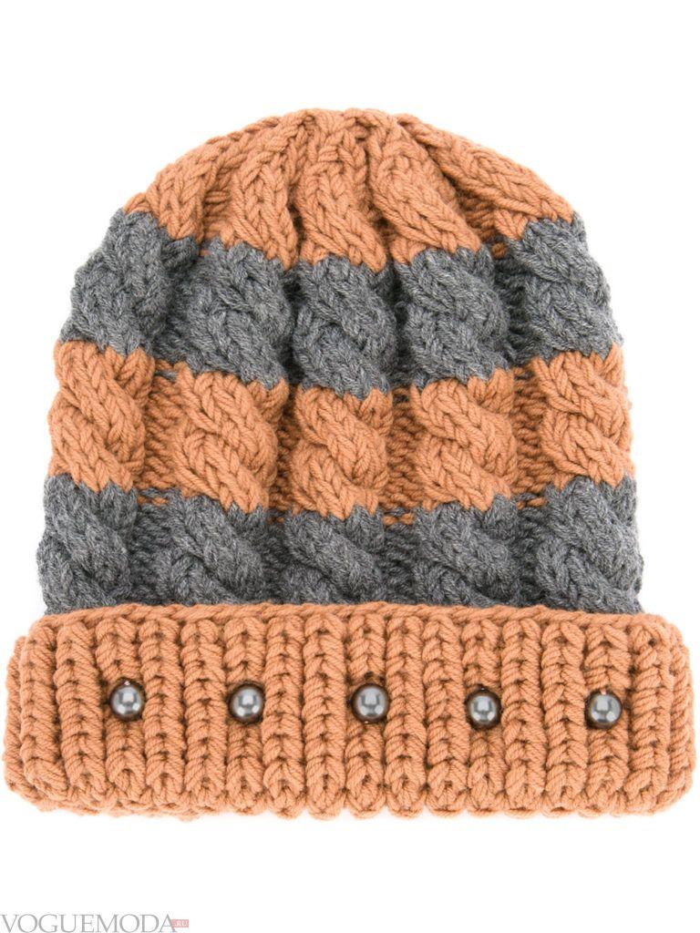 полосатая шапка фактурной вязки