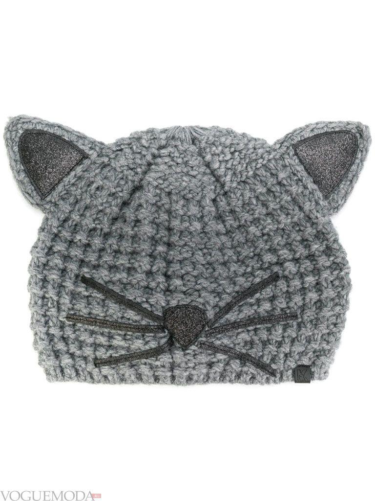 шапка фактурной вязки с ушками