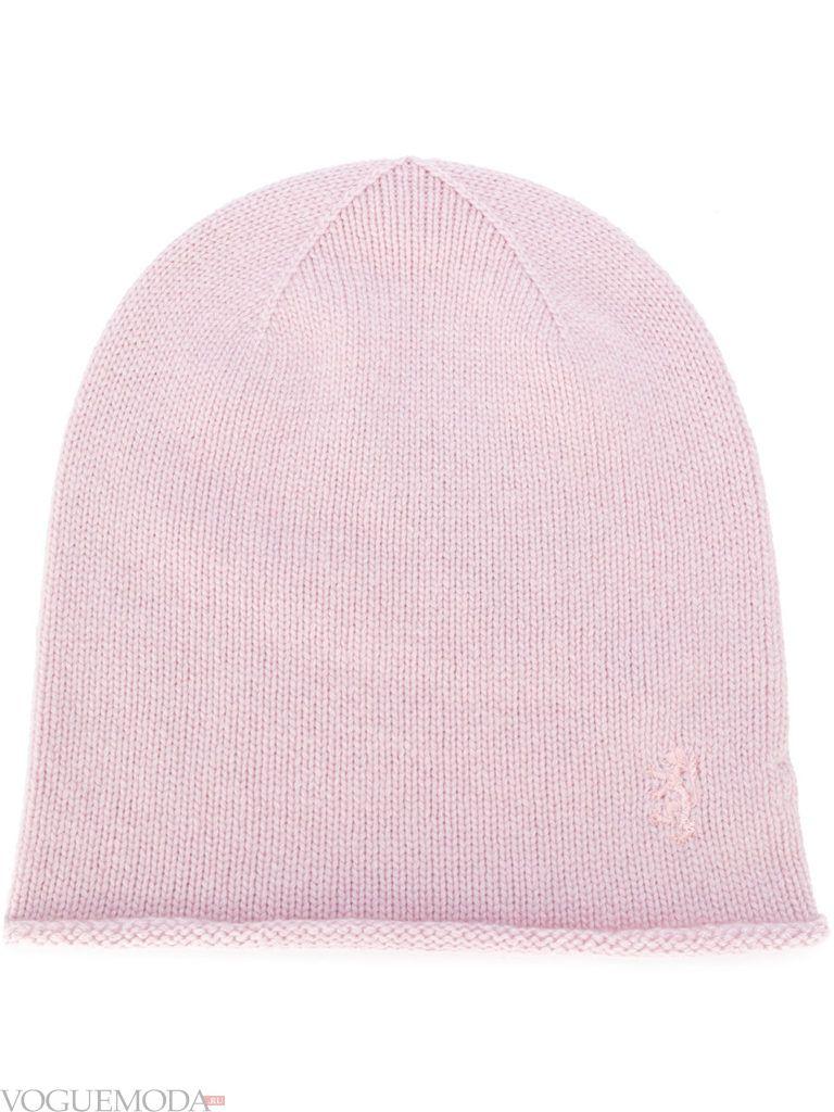 шапка гладкой вязки светлая