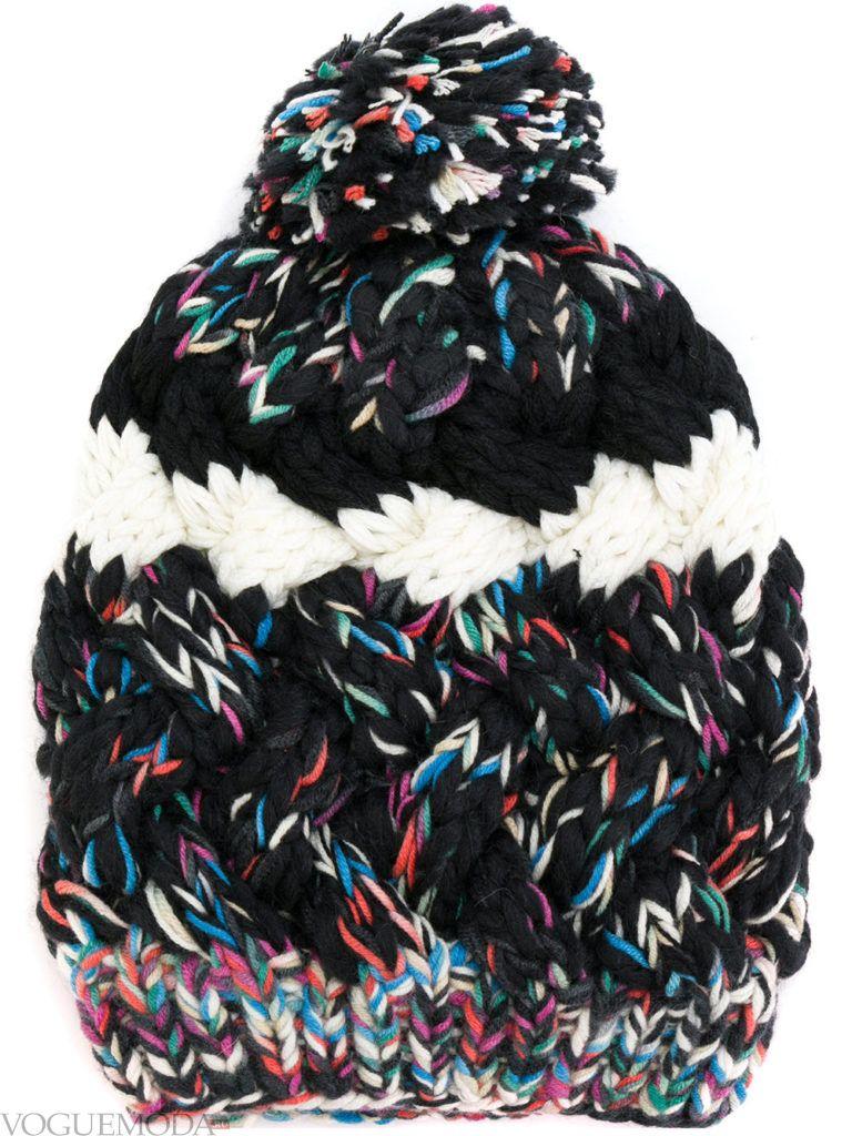 вязаная шапка разноцветная