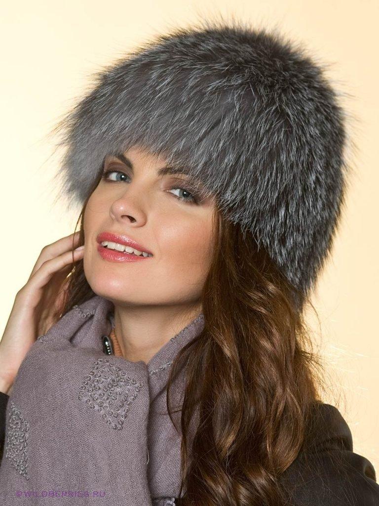 меховая шапка серая
