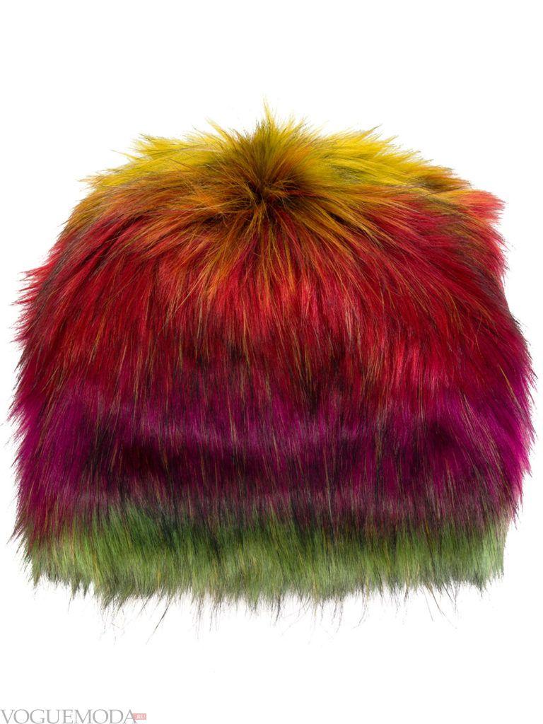 меховая шапка разноцветная