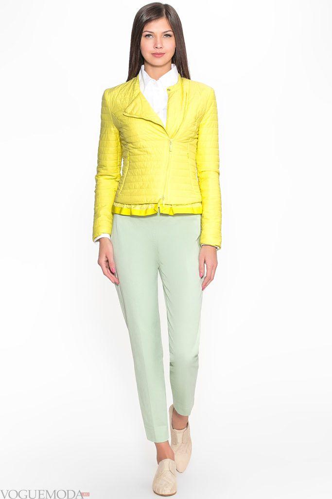 желтая куртка на синтепоне с фигурной стежкой