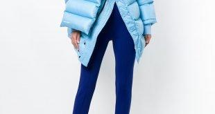 многослойная голубая куртка на синтепоне