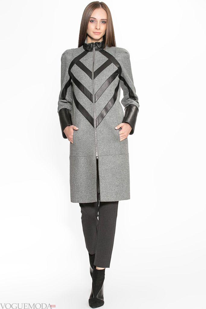 пальто в стиле милитари серое