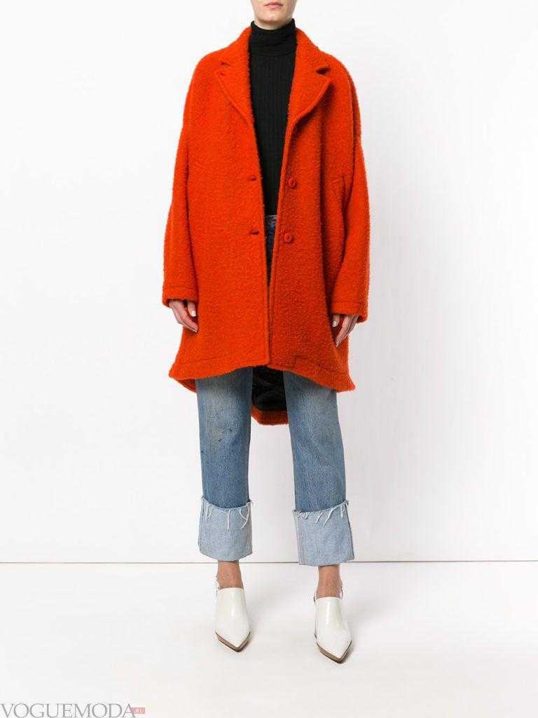пальто в мужском стиле красное