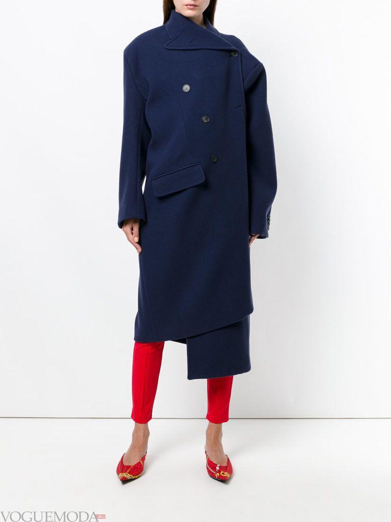 яркое асимметричное пальто