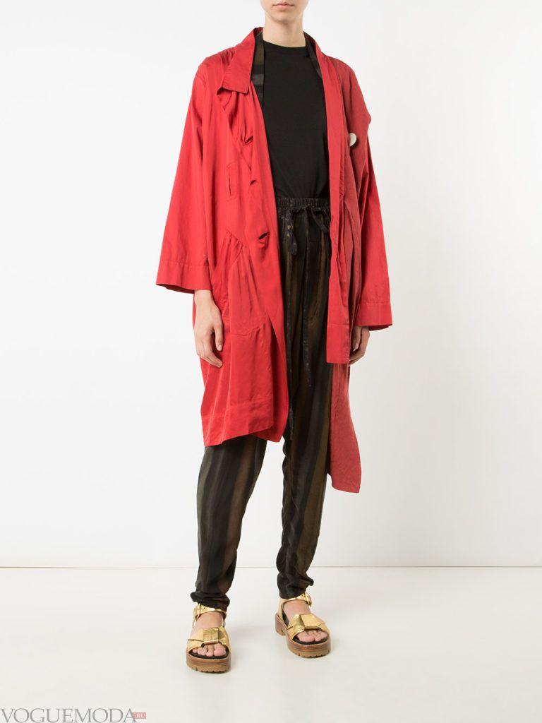 весенняя асимметричная куртка красная