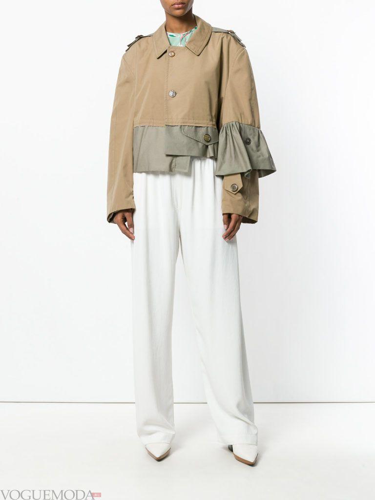 весенняя асимметричная куртка бежевая
