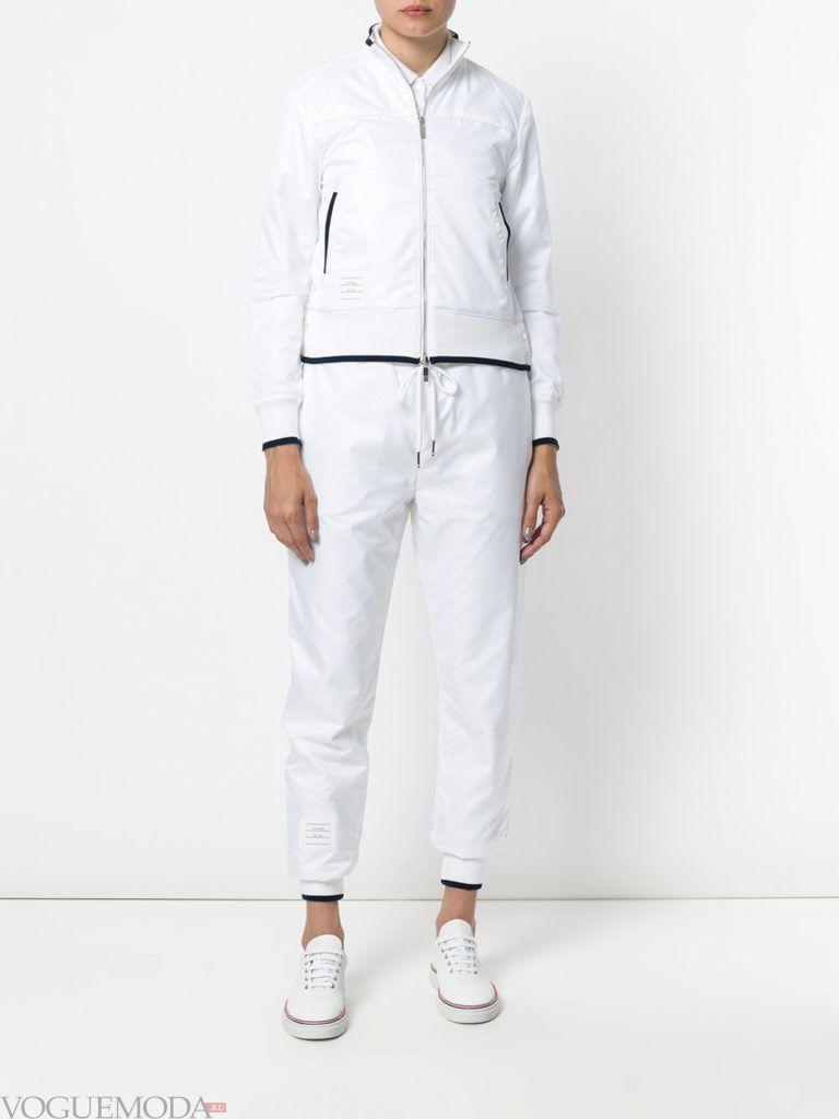 куртка-ветровка белая