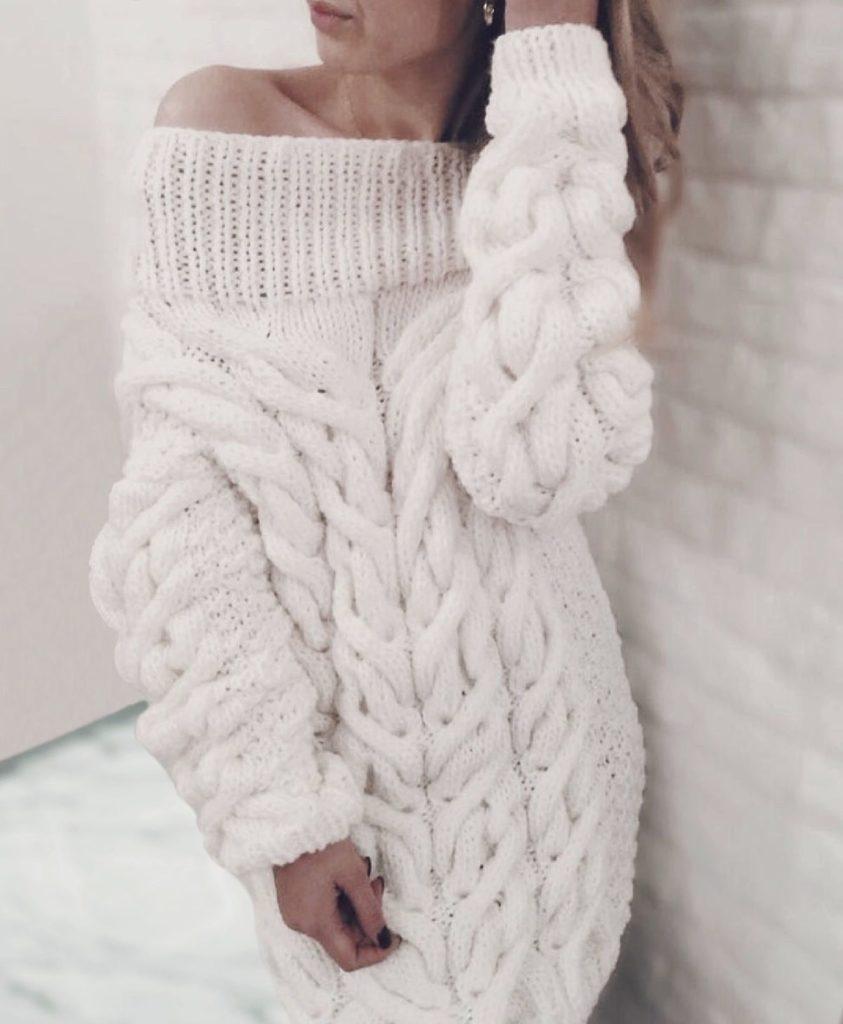 длинный вязаный свитер свободный белого цвета