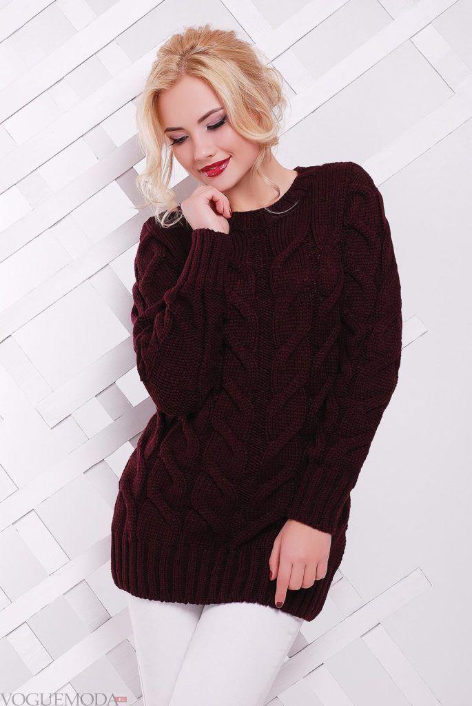 длинный вязаный свитер бордового цвета