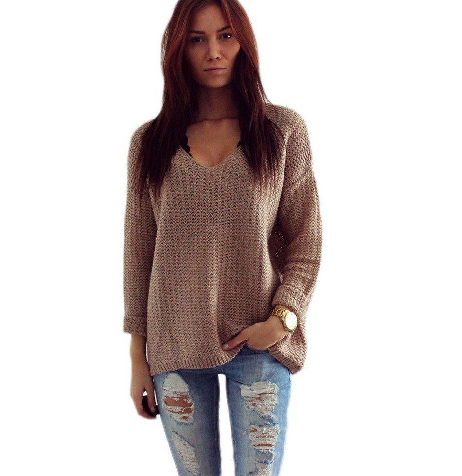 длинный вязаный свитер бежевого цвета