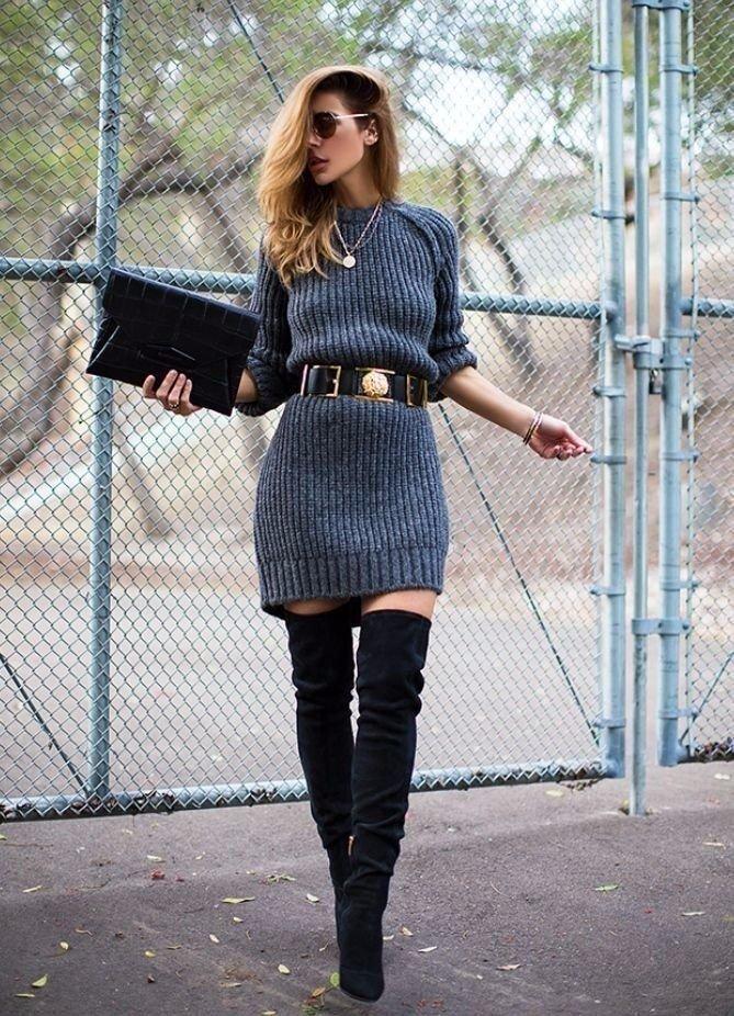 вязаное синее платье с поясом
