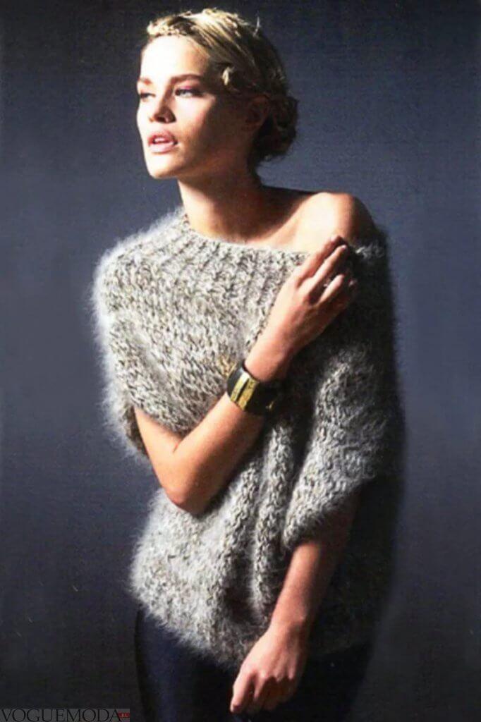 Мохеровый свитер серого цвета