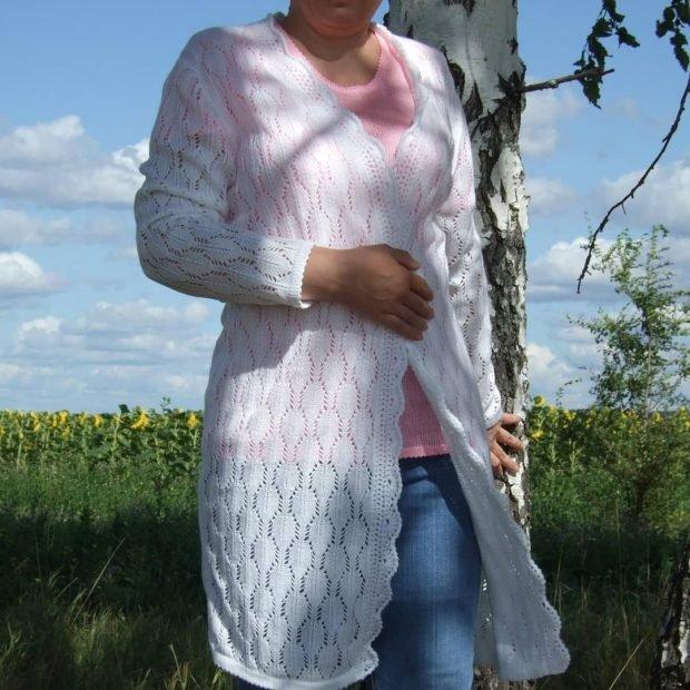 Модные вязаные вещи: белый кардиган