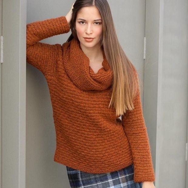 Модные вязаные вещи: кофта цвета охра