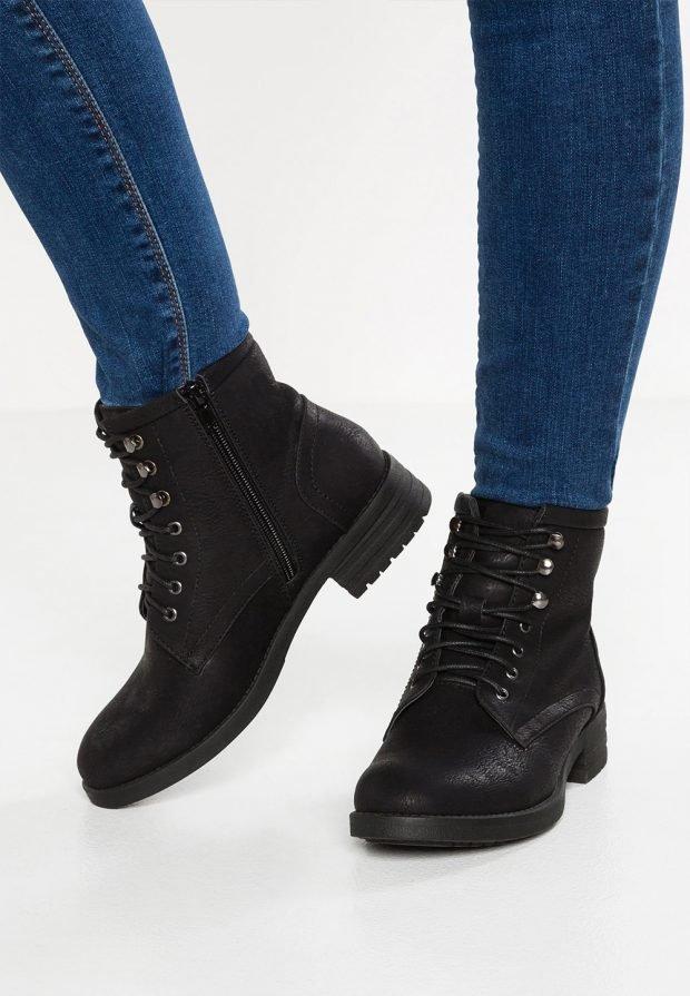 Модные ботинки 2019 2020: черные на шнурках