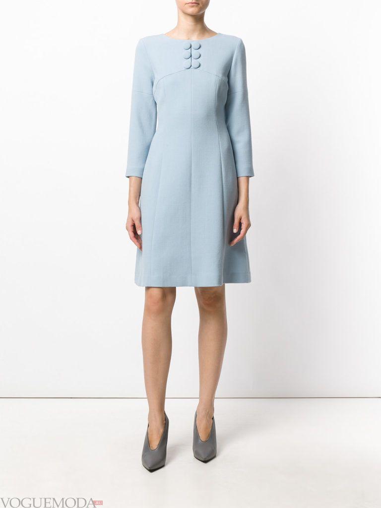 офисное свободное платье голубое