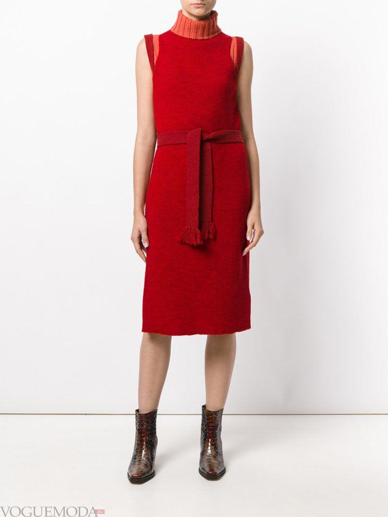 вязаное офисное платье красное