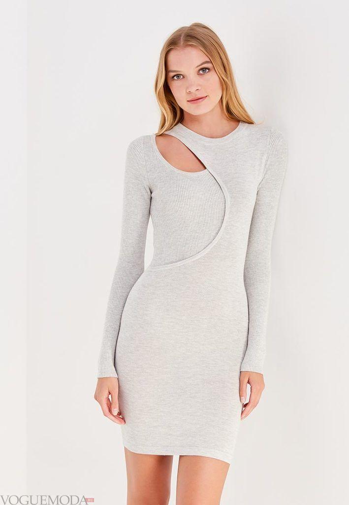 вязаное офисное платье светлое