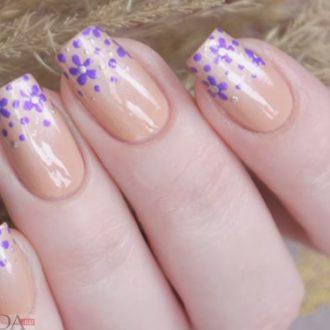 бежевые ногти с рисунком достом