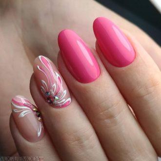 рисунком достом на розовых ногтях