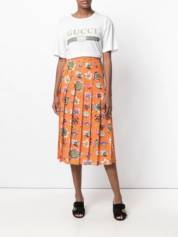 юбка с цветами цветная