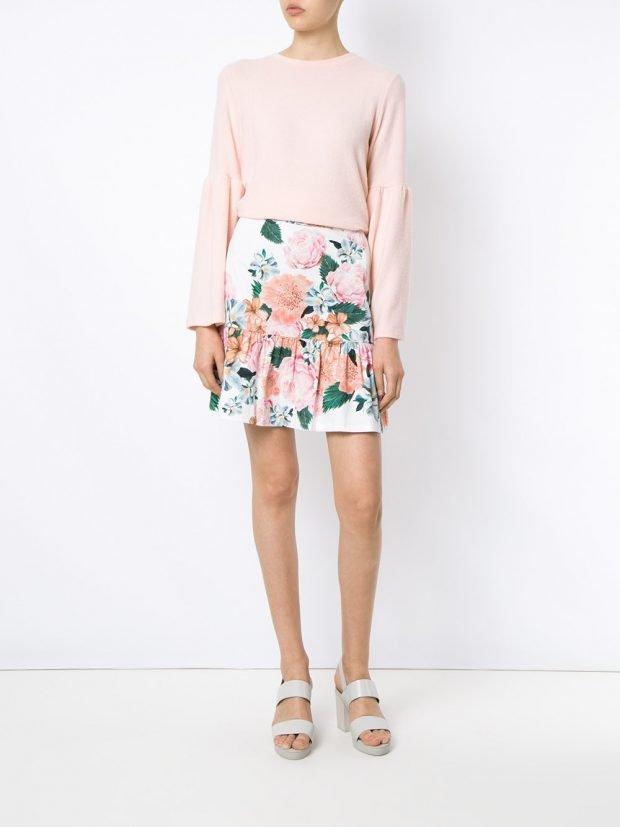 юбка с цветами белая