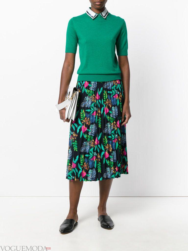 юбка с цветами яркая