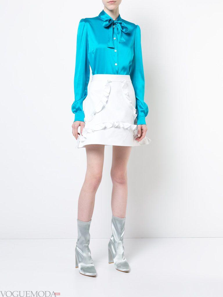 белая юбка с рюшами