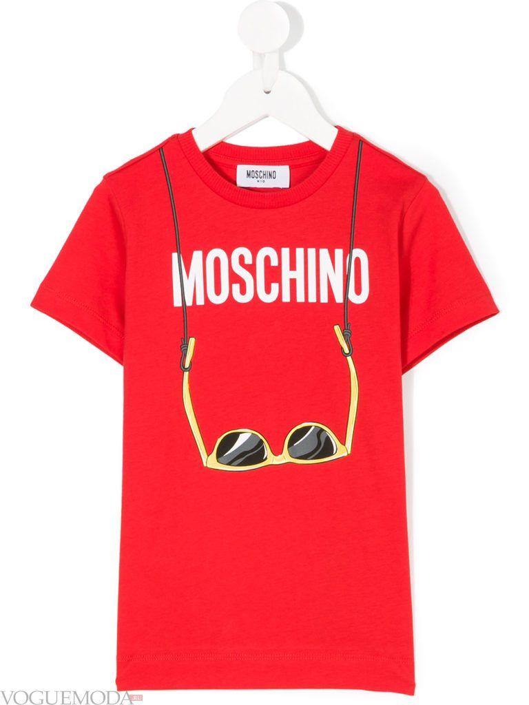 красная детская футболка с рисунком