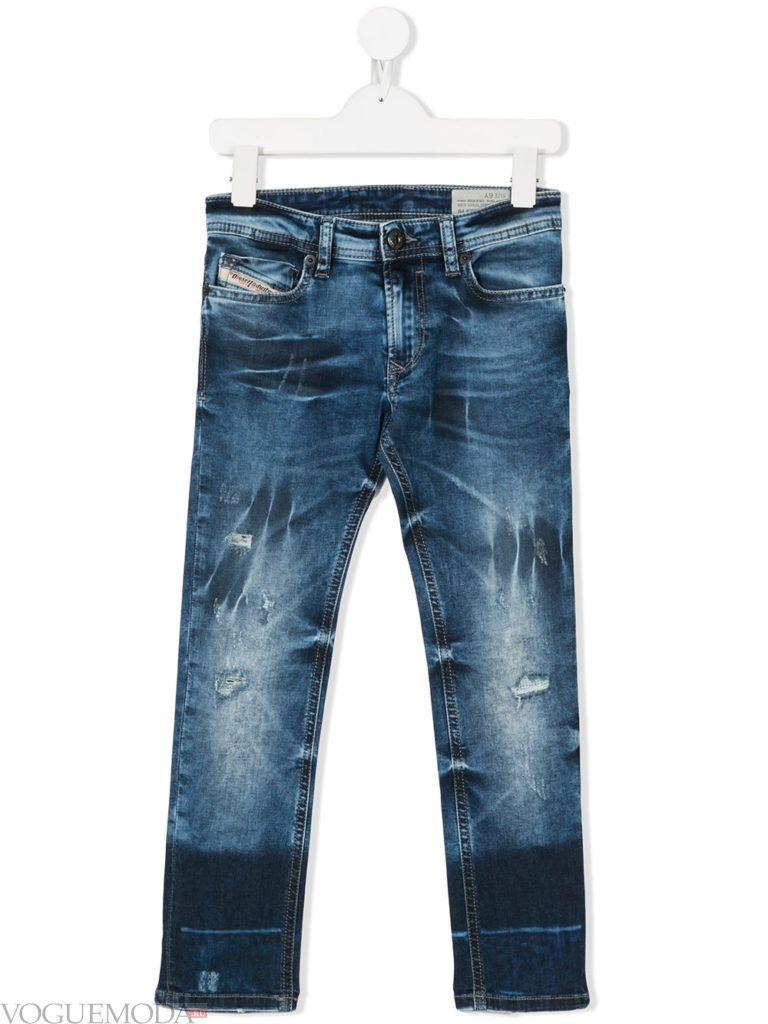 детские синие джинсы
