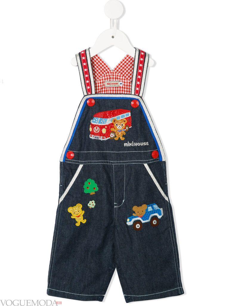 детский джинсовый комбинезон с декором