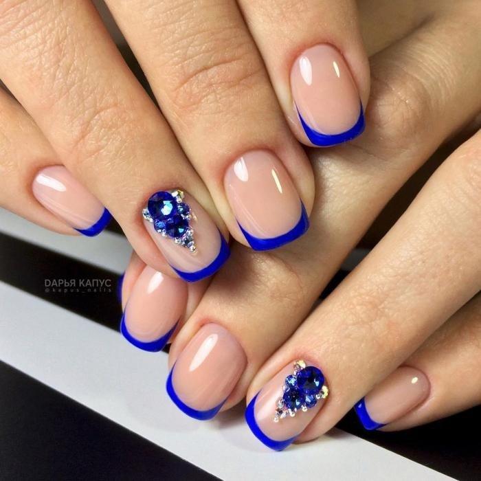 синий френч с камнями