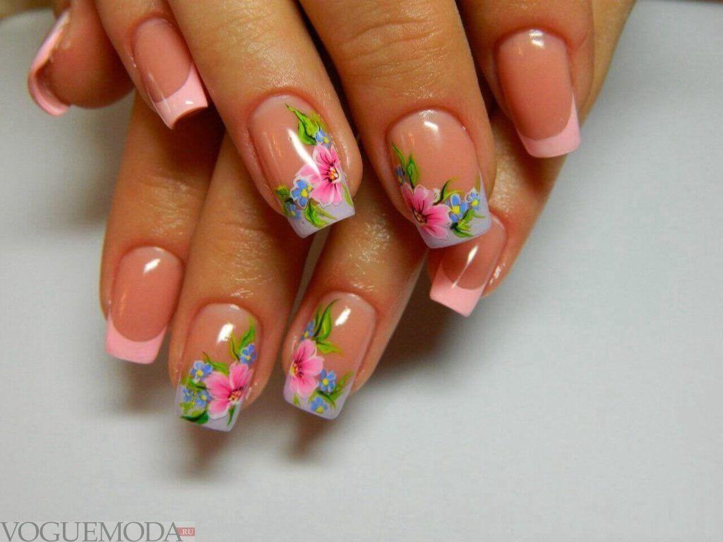 розовый цветочный френч