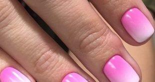 розово-белый градиентный маникюр