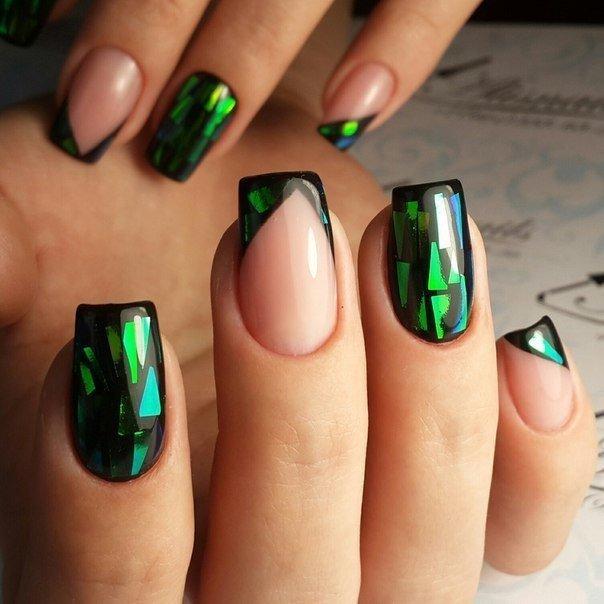 зеленый маникюр битое стекло