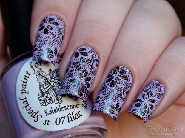 сиреневые ногти с черным кружевом