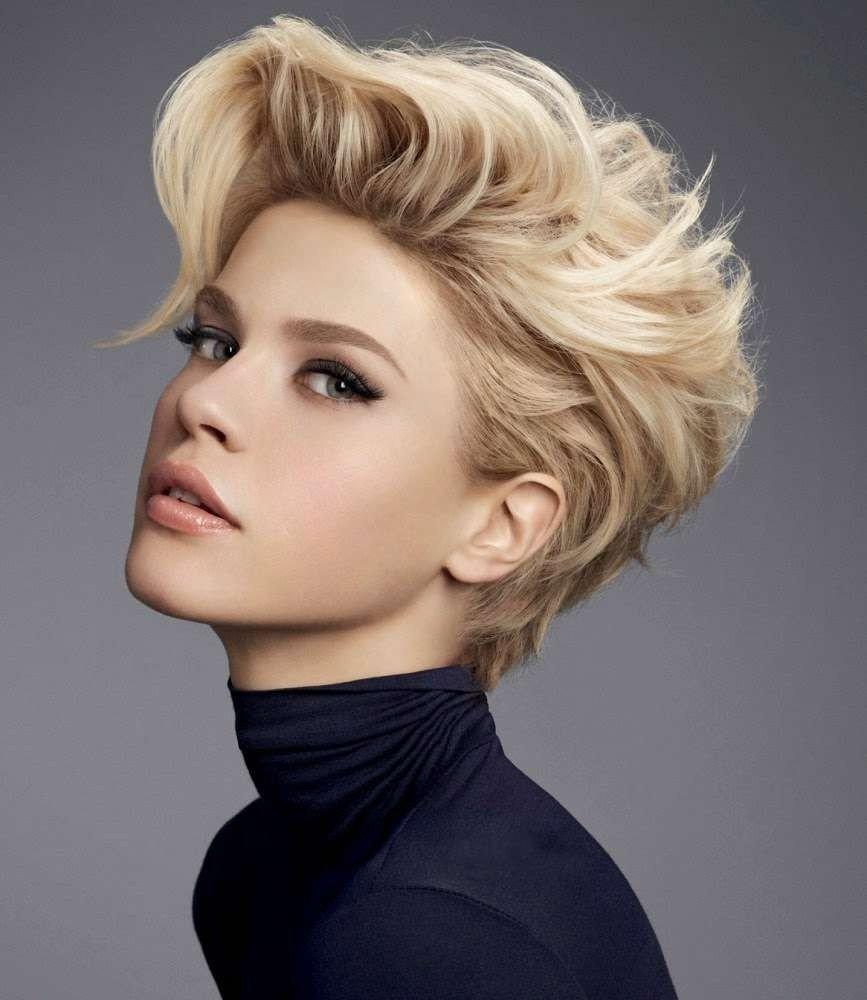 короткая женская стрижка после 40 лет натуральный блонд