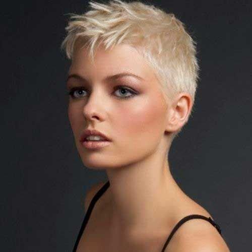 стрижка пикси на короткие волосы цвета блонд