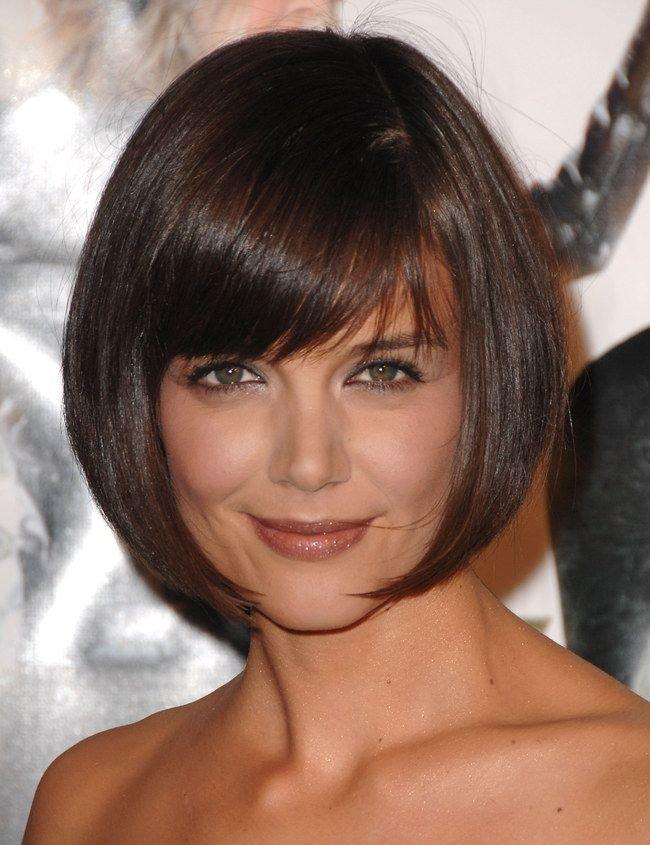 короткие волосы каре с челкой для женщин после 40