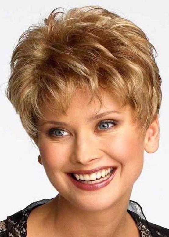 короткая стрижка на вьющиеся волосы для блондинок