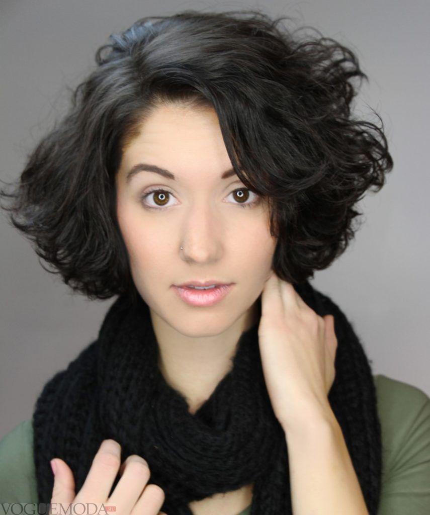 креативная стрижка на короткие темные волосы