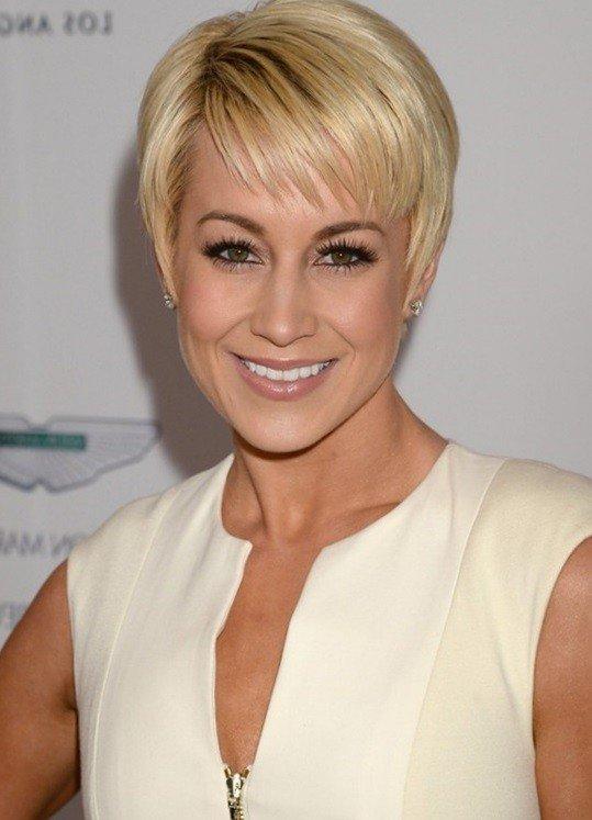 короткая стрижка для женщин за 40 цвета блонд