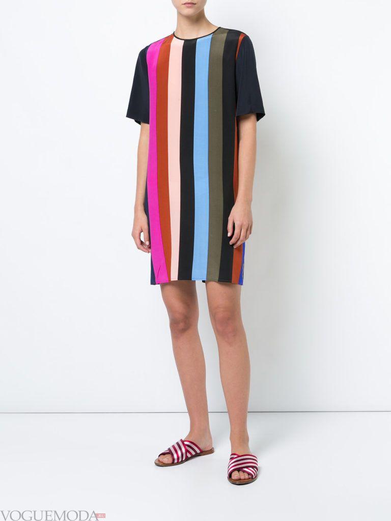 черное мини платье с полосками