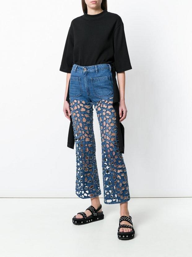 прозрачные джинсы и футболка кому за 30